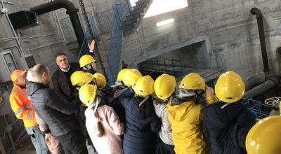 """Salerno Sistemi, apre le porte alle scolaresche con il Progetto """"A Scuola di futuro – Salerno 2030"""" accogliendo i ragazzi presso il serbatoio di Via Monticelli."""